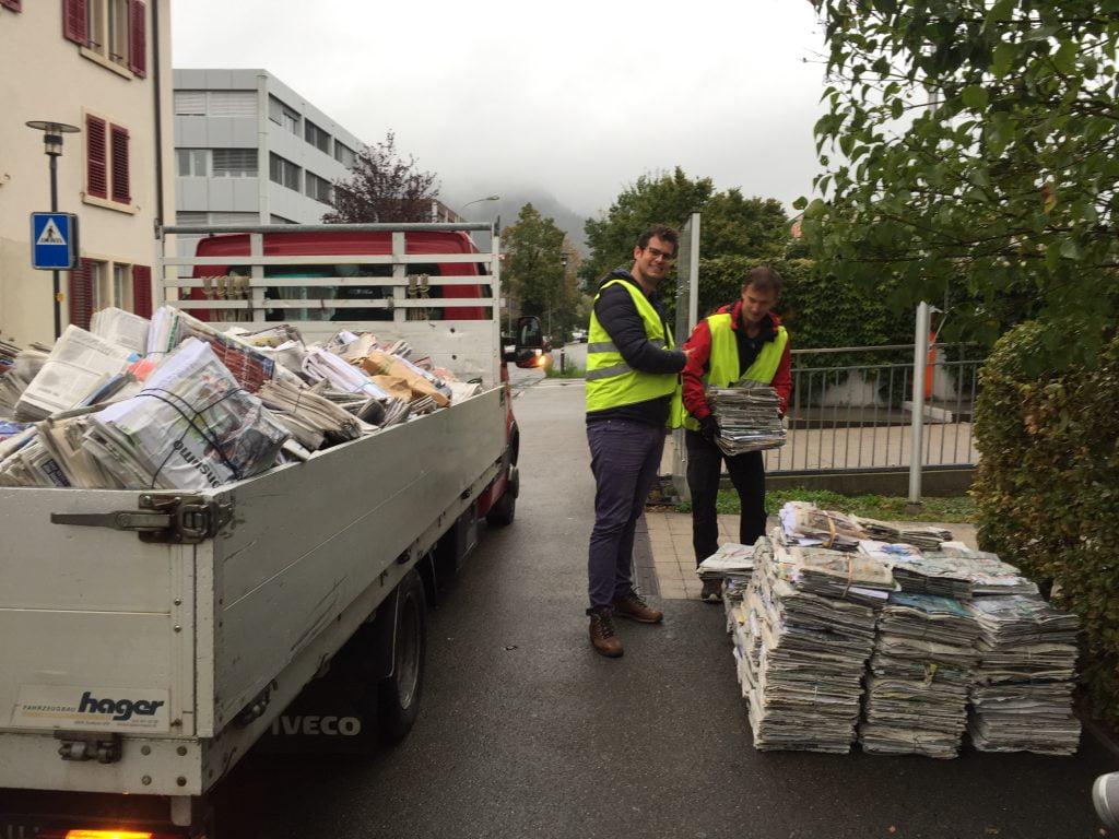 VC Tornado Zeitungssammeln